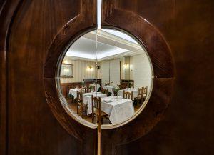 Puerta de Entrada al Restaurante La Cantina de J. Mingo